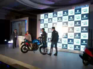 suzuki-gixxer-launch.jpeg