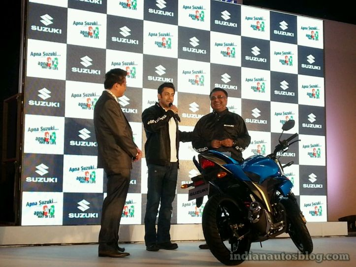 suzuki-gixxer-unveiled-in-india.jpg