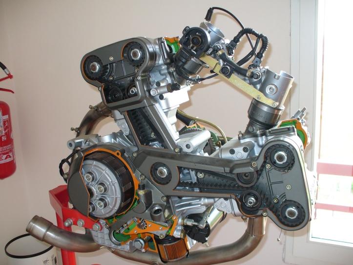 916 Engine