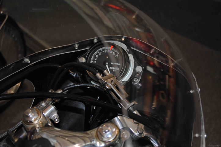 RC149 Speedo2