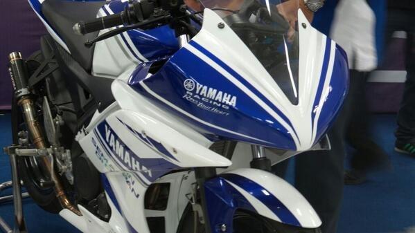 Team YIMM R15