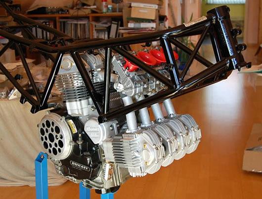 Ducati V8 2