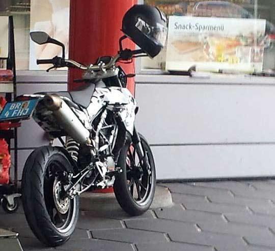 Spyshoot KTM Supermoto
