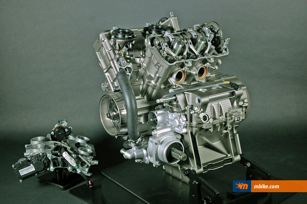 VFR1200F Engine