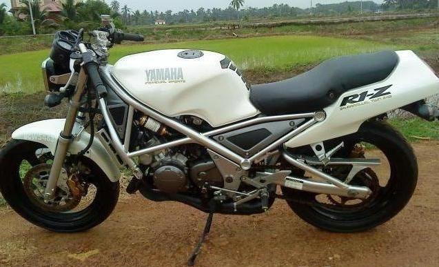 Yamaha R1-Z 14