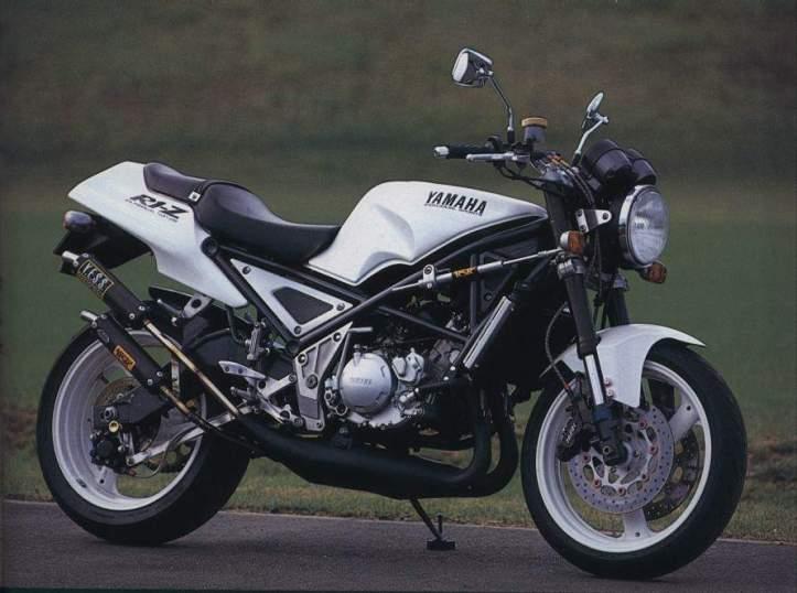 Yamaha R1-Z 3
