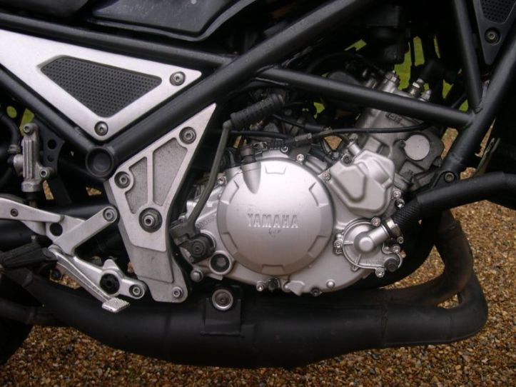 Yamaha R1-Z Engine 2