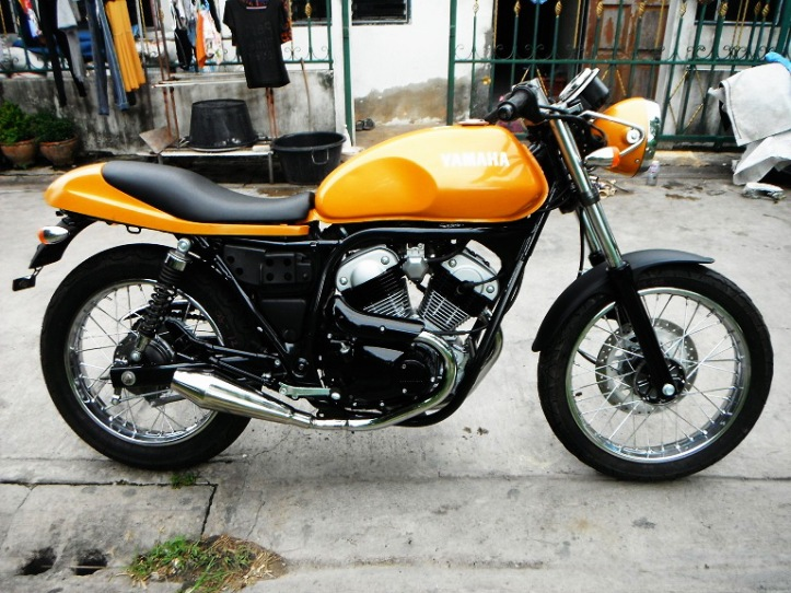 Yamaha SRV 250 Custom Yellow