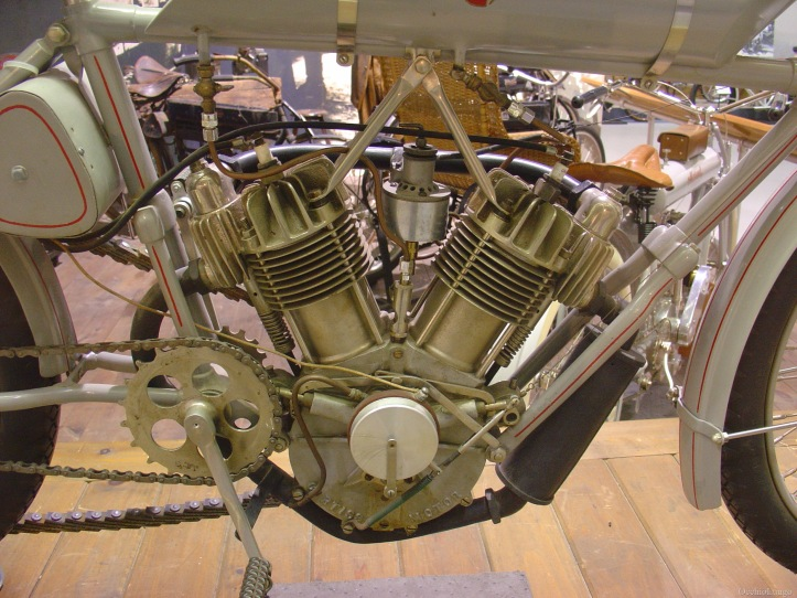 Curtiss Hercules V-Twin 2