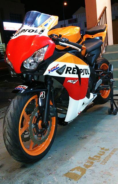 Custom Yamaha ER-6N to CBR1000RR 2