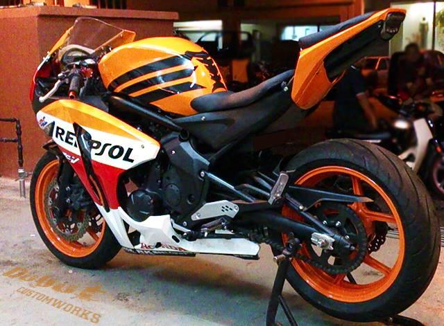 Custom Yamaha ER-6N to CBR1000RR 4