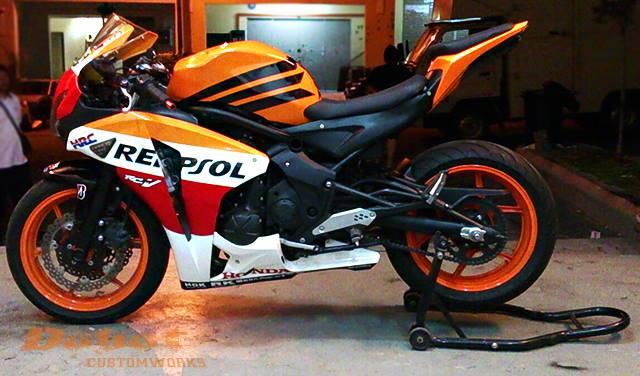 Custom Yamaha ER-6N to CBR1000RR 5