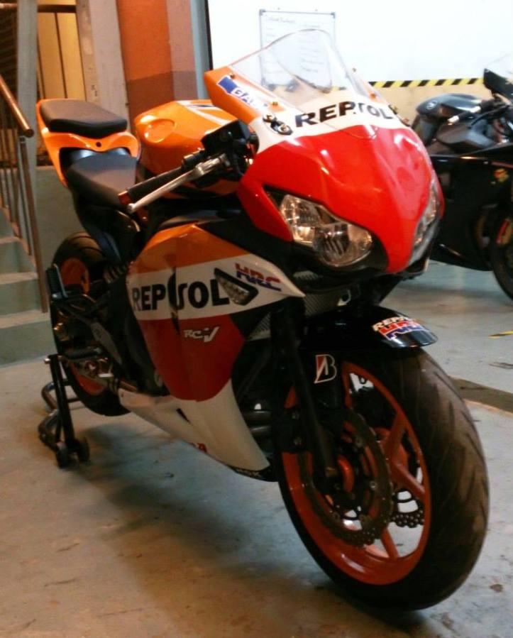 Custom Yamaha ER-6N to CBR1000RR