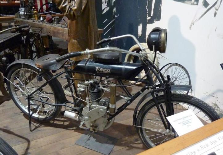 Motor Pertama Glenn Curtiss