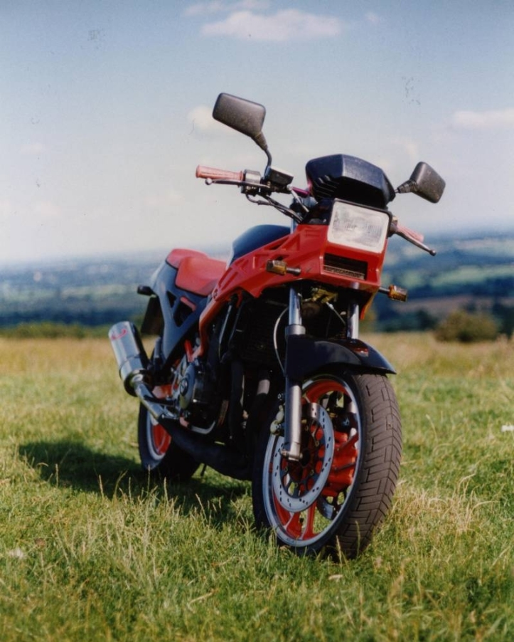 Suzuki GSX400X Impulse 9