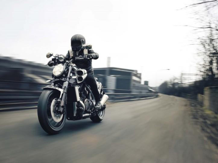 Yamaha VMAX Carbon SE 5