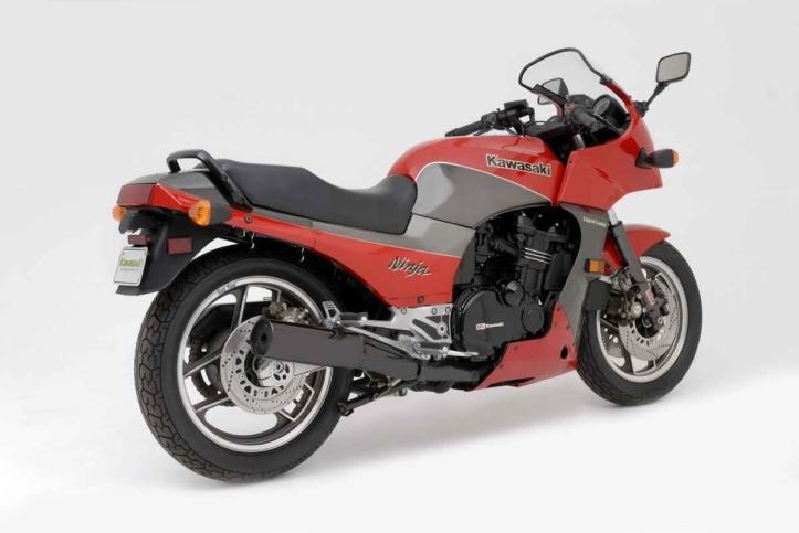 Kawasaki Ninja GPZ900R 5