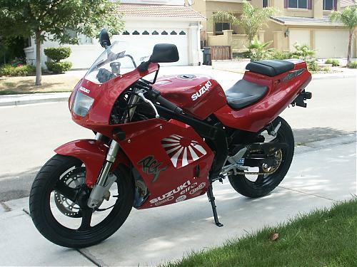 Suzuki RG200 Gamma 4
