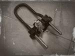 Kunci Pengaman Ganda