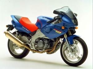 Yamaha SZR660