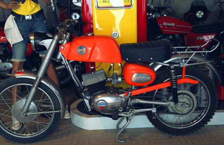 Benelli Leoncino Scrambler 500