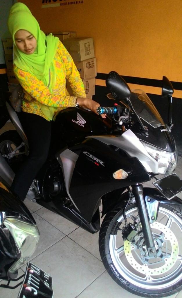 Yamaha Xabre vs Honda CBR250R