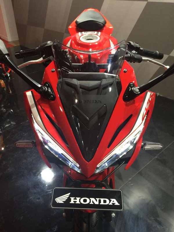 Honda CBR150R Facelift 2016