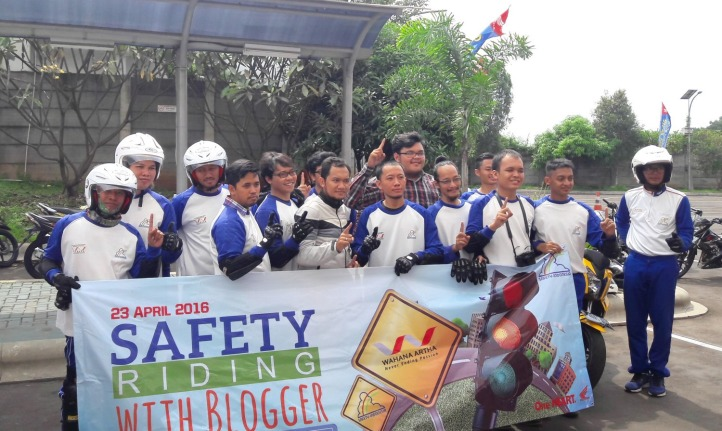 Safety Riding with Wahana Jatake 4