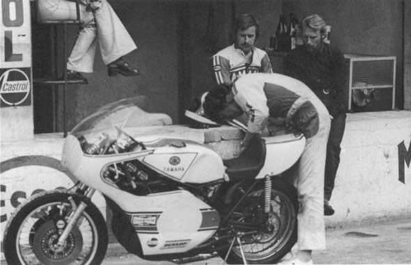 Prototype motor balap Yamaha ini awalnya disebut dengan nama Project YZ648 (700cc, Daytona 200) & YZ648A (500cc, GP500).